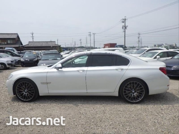 BMW 7-Series 0,4L 2014-7