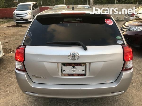 Toyota Fielder 1,5L 2013-8