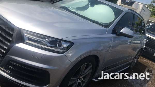 Audi Q7 3,0L 2018-5