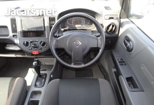 Nissan AD Wagon 1,5L 2016-3