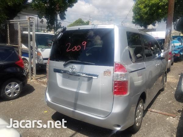 Toyota Noah 2,2L 2009-2