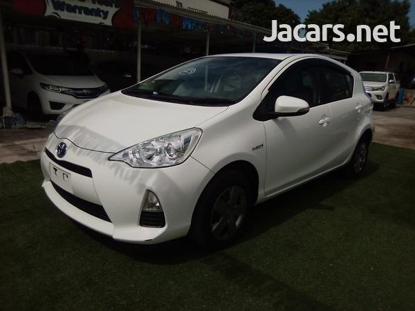 Toyota Aqua 1,6L 2014-1