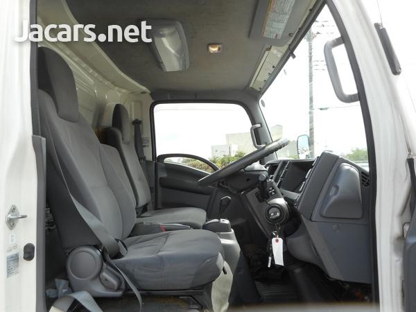 Isuzu Elf Refrigerated Truck 2014-5