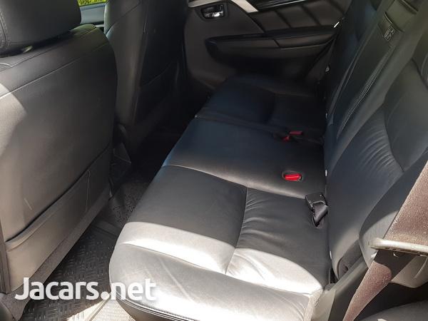 Mitsubishi Montero Sport 2,7L 2019-4