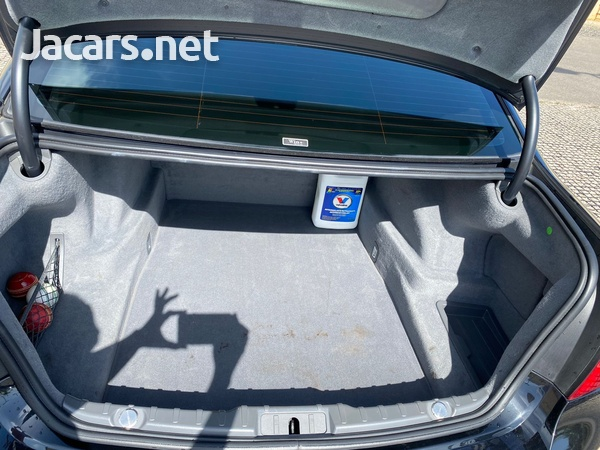 BMW 7-Series 3,0L 2012-10