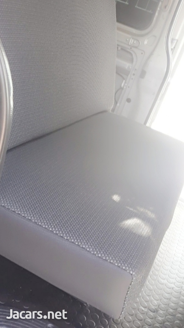 BUS SEATS WITH COMFORT AND STYLE.CONTACT THE EXPERTS 8762921460-5