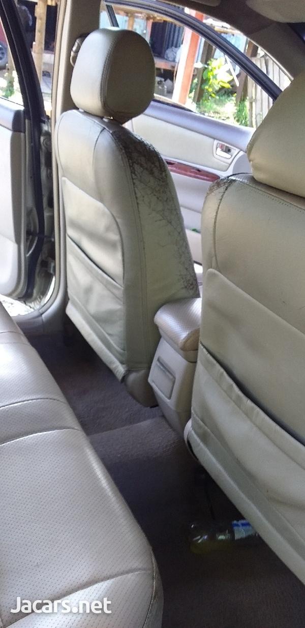Toyota Corolla Altis 1,0L 2004-4