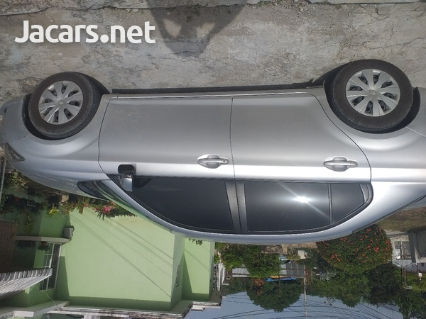 Toyota Axio 2,1L 2014-3