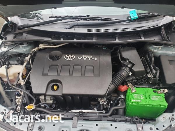 Toyota Corolla Altis 1,6L 2013-7