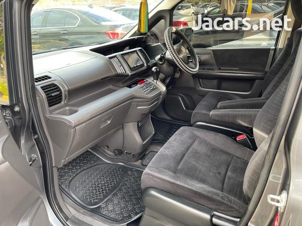 Honda Step wagon 2,0L 2010-13