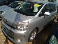 Toyota Voxy 1,5L 2011