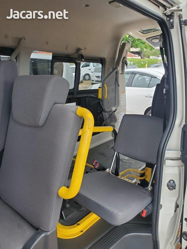 Toyota RegiusAce 2,0L 2014-4