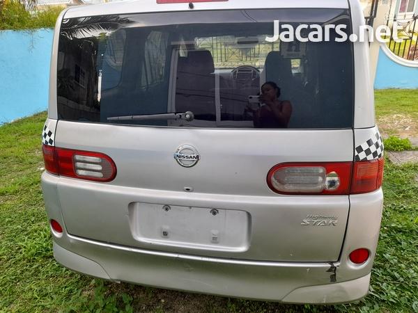 Nissan LaFesta 2,0L 2010-5