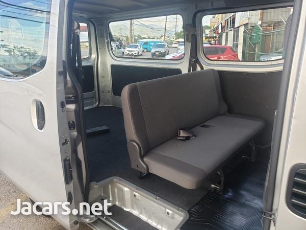 Nissan Caravan 2,5L 2016-7