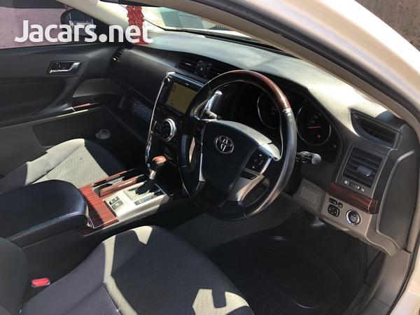 Toyota Mark X 2,5L 2012-9