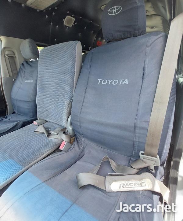 Toyota Hiace 2,5L 2008-7