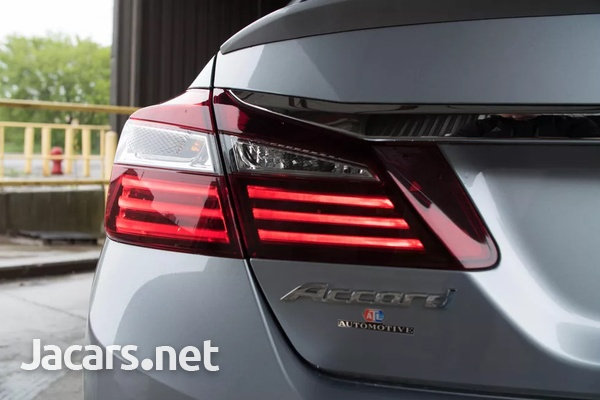 Honda Accord 3,5L 2016-9