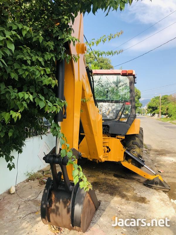 Backhoe Tractor-1