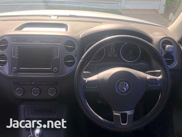 Volkswagen Tiguan 2,5L 2016-4