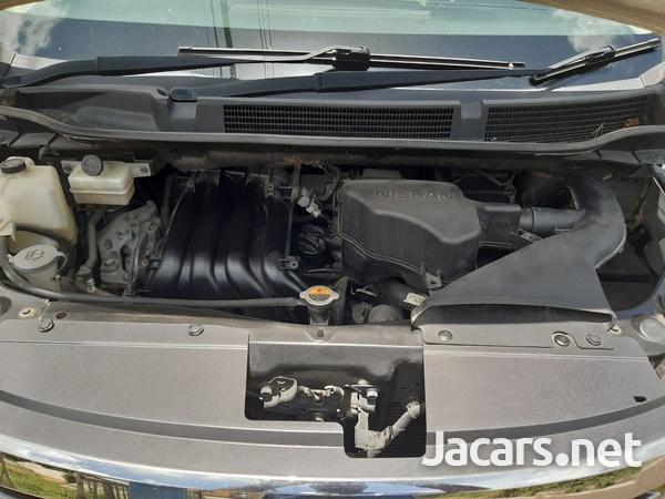 Nissan Serena 2,0L 2011-7