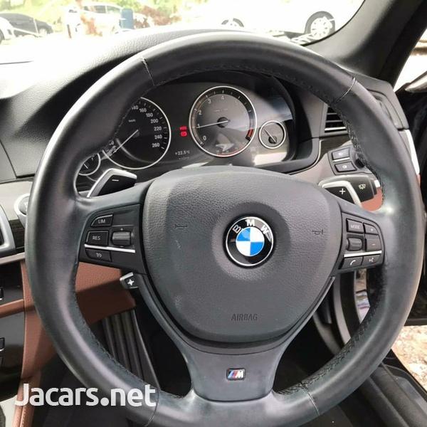 BMW 5-Series 2,3L 2013-5