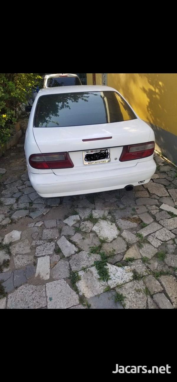 Nissan Pulsar 2,0L 2000-5