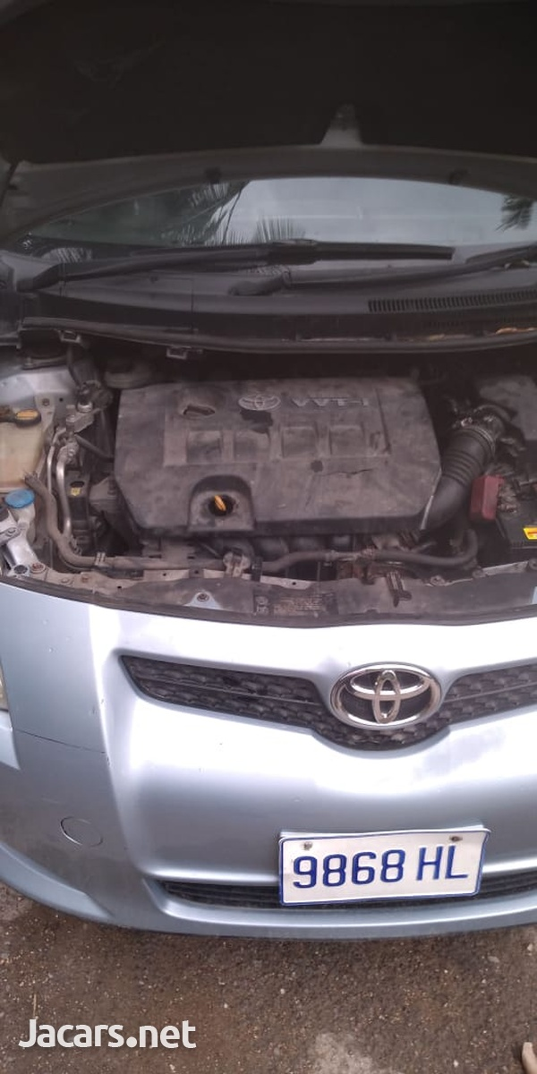 Toyota AURIS 1,5L 2009-5