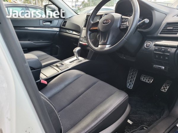 Subaru Legacy 2,5L 2014-8