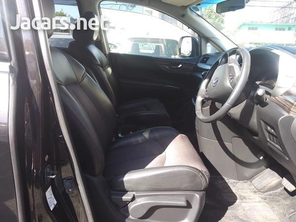 Nissan Elgrand 2,3L 2015-5