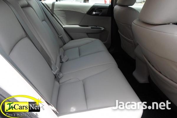 Honda Accord 2,4L 2014-7