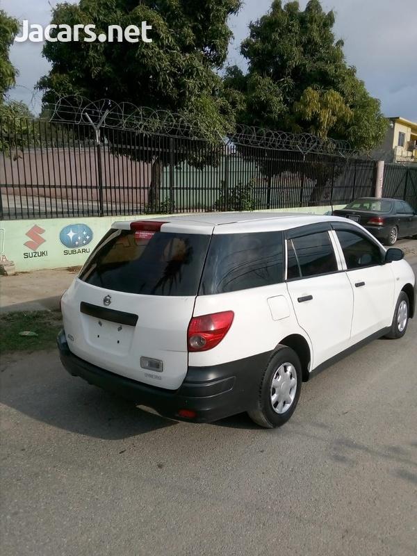 Nissan AD Wagon 1,5L 2010-4