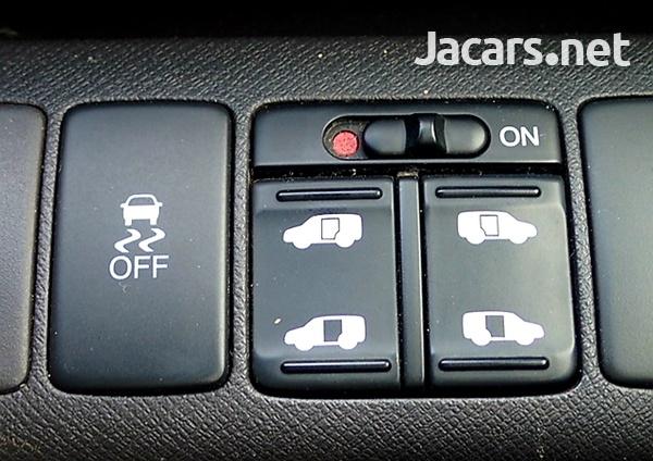 Honda Stepwgn Spada 2,0L 2012-12