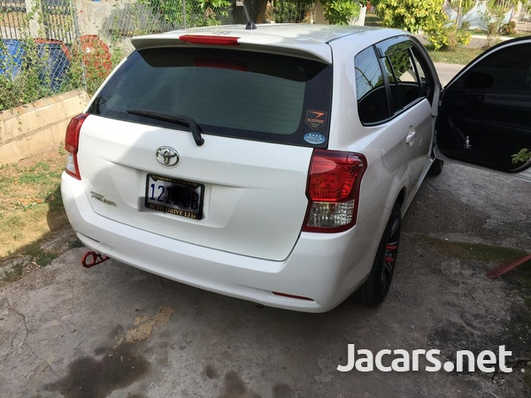 Toyota Fielder 1,5L 2013-7
