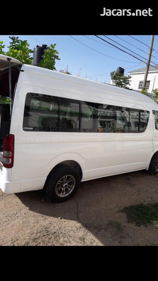 2010 Toyota Hiace Bus-4