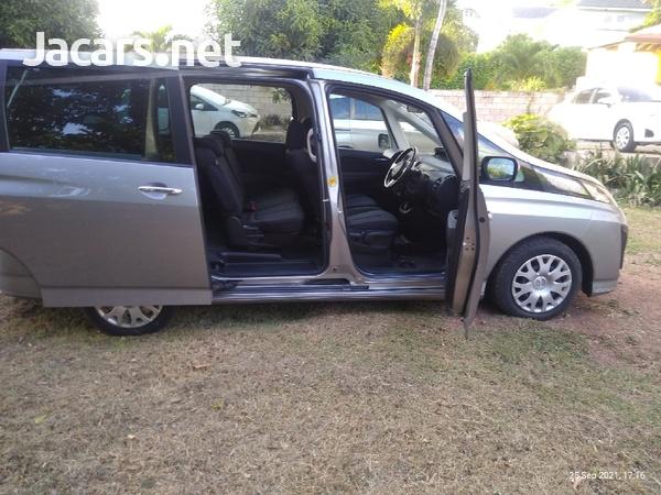 Mazda Biante 2,0L 2013-9