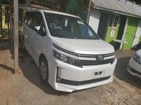 Toyota Voxy 1,8L 2014