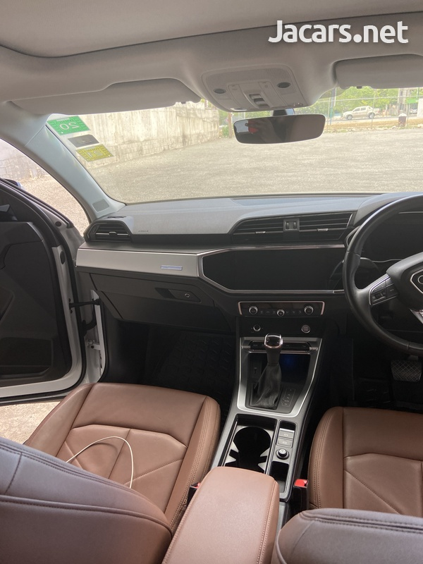 Audi Q3 2,0L 2020-5