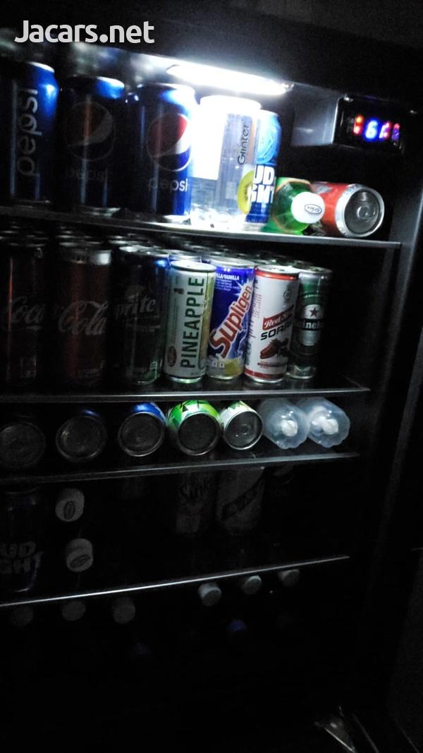 IGLOO 180 CANS BEVERAGE COOLER-4
