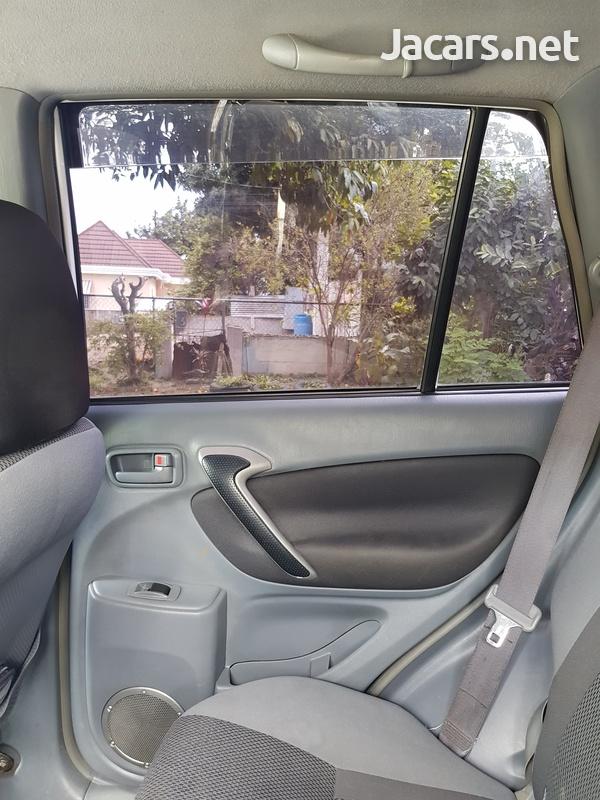 Toyota RAV4 2,0L 2002-5