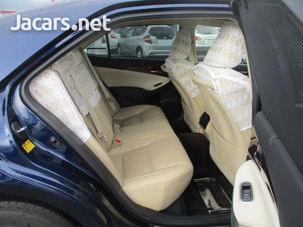 Toyota Crown 2,5L 2014-5