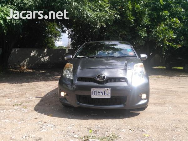 Toyota Vitz 1,5L 2010-3