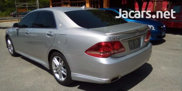Toyota Crown 2,5L 2010-7
