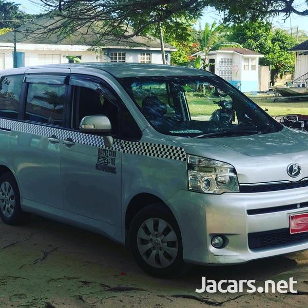 Toyota Voxy 2,7L 2010-2