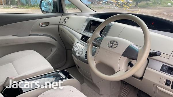Toyota Estima 2,4L 2012-4