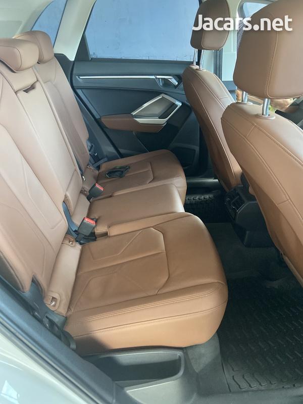 Audi Q3 2,0L 2020-6