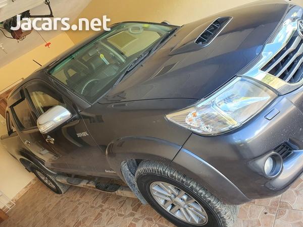 Toyota Hilux 3,0L 2015-1
