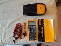 USED FLUKE MULTIMETER EXCELLENT CONDITION
