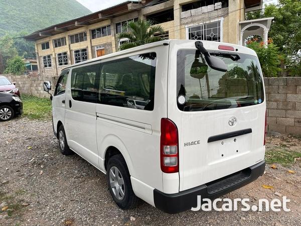 Toyota Hiace 2,0L 2016-3