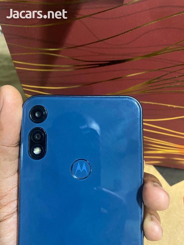Motorola Moto e2020-2