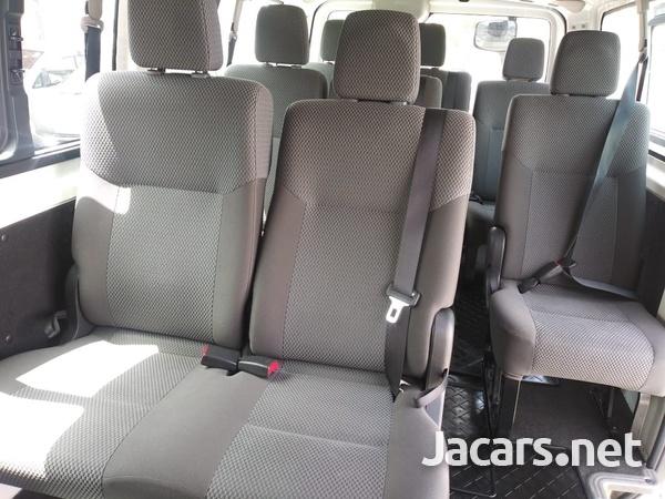 Nissan Caravan 2,3L 2015-9